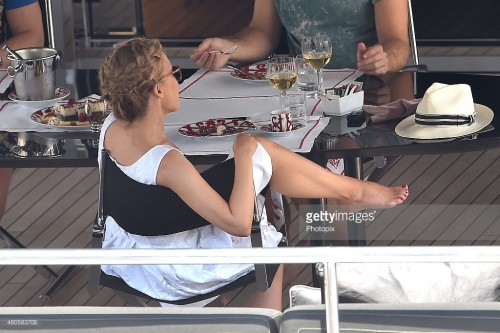 Kylie Minogue Feet 1777843