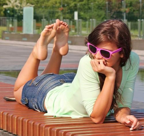 feet.forum-area.com_2Qs3k52TtL53f8bf7de44577b4.jpg