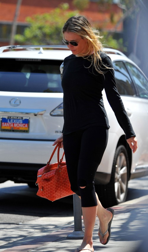 Chelsea Handlerarriving at a nail salon in BrentwoodLos Angeles, California - 09.05.12Featuring: Che