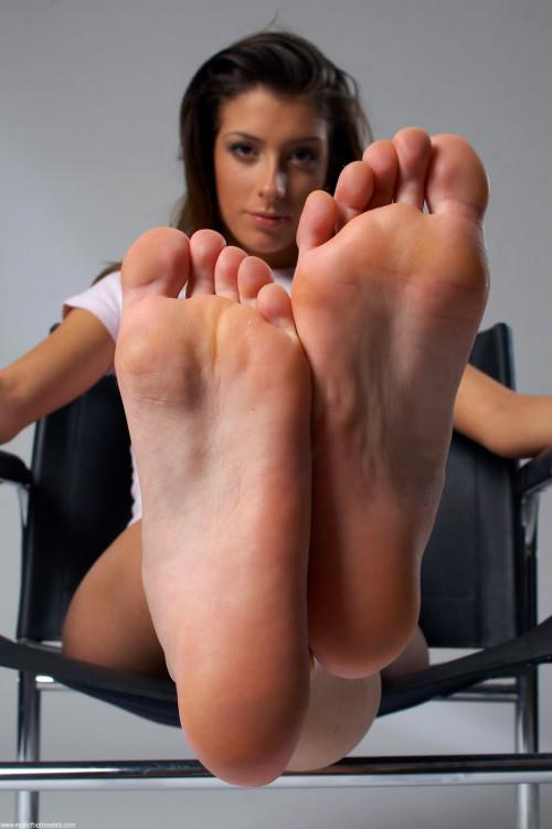Hawt Feet 3